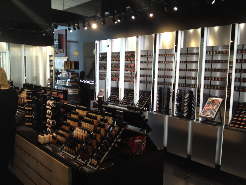Welcome to the new mac cosmetics store in liege